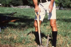 Carmel_007_1978_9_X-Alan-Chadwick-digging_2_courtesy-The-Chadwick-Society