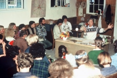 Carmel_013_1979_9_X-Alan-Chadwick-Lecturing_photo-courtesy-The-Chadwick-Society