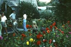 Covelo-05_1976-1977_Apprentices-working-in-Garden-various_03