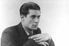 Theater_09_1938_X_X_Alan-Chadwick-Portrait_Shaespeare-Productions-Stratford-upon-Avon_from-Seddon-Chadwic