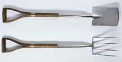 01-Garden-Tools-Equipment_Spear-Jackson-Classic-Fork-Spade