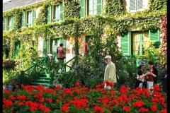 12-Giverny-Garden-France_of-Claude-Monet_Main-Home_Alans-Garden-Influences