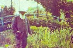 14-Giverny-Garden-France_Claude-Monet-In-Front-Of-His-Bridge_Google-Art-Project_Alans-Garden-Influences