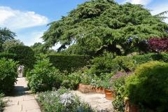 17-Hidcote-Manor-UK_Alans-Garden-Influences
