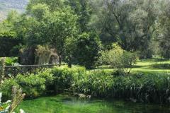 15-Ninfa-Gardens-Italy_Alans-Garden-Influences