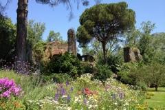 2-Ninfa-Gardens-Italy_Alans-Garden-Influences