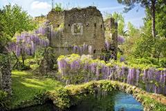 24-Ninfa-Gardens-Italy_Alans-Garden-Influences