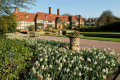1b-X_X_X_Early-Family-Life-Biography_RHS-Gardens-at-Wisley_Main-Complex