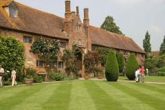 15-Vita-Sackville-Wests-Sissinghurst-Gardens_Estate-Home_Alans-Garden-Influences