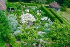 7-Vita-Sackville-Wests-Sissinghurst-Gardens_Aerial-View_White-Garden_7_Alans-Garden-Influences