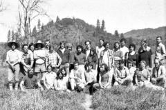 1976_X_X_2_Garden-Apprentices_Covelo-Village-Garden-Photos_Courtesy-Richard-Wilson