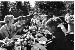 UCSC-05-012_1969_Photo-Of-Apprentices-Eating-Lunch-at-The-Chalet_Sunset-Magazine-Photo