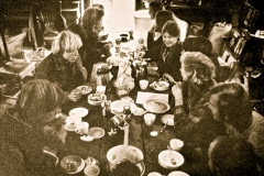 03-1971_X_X_Photos-from-the-Cry-California-Journal-article_apprentices-dining-in-the-chalet