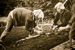07-1971_X_X_Photos-from-the-Cry-California-Journal-article_apprentices-carefully-planting-out-plant-starts